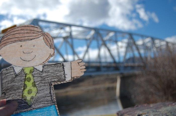 flat-stanley-visits-wolf-creek-bridge