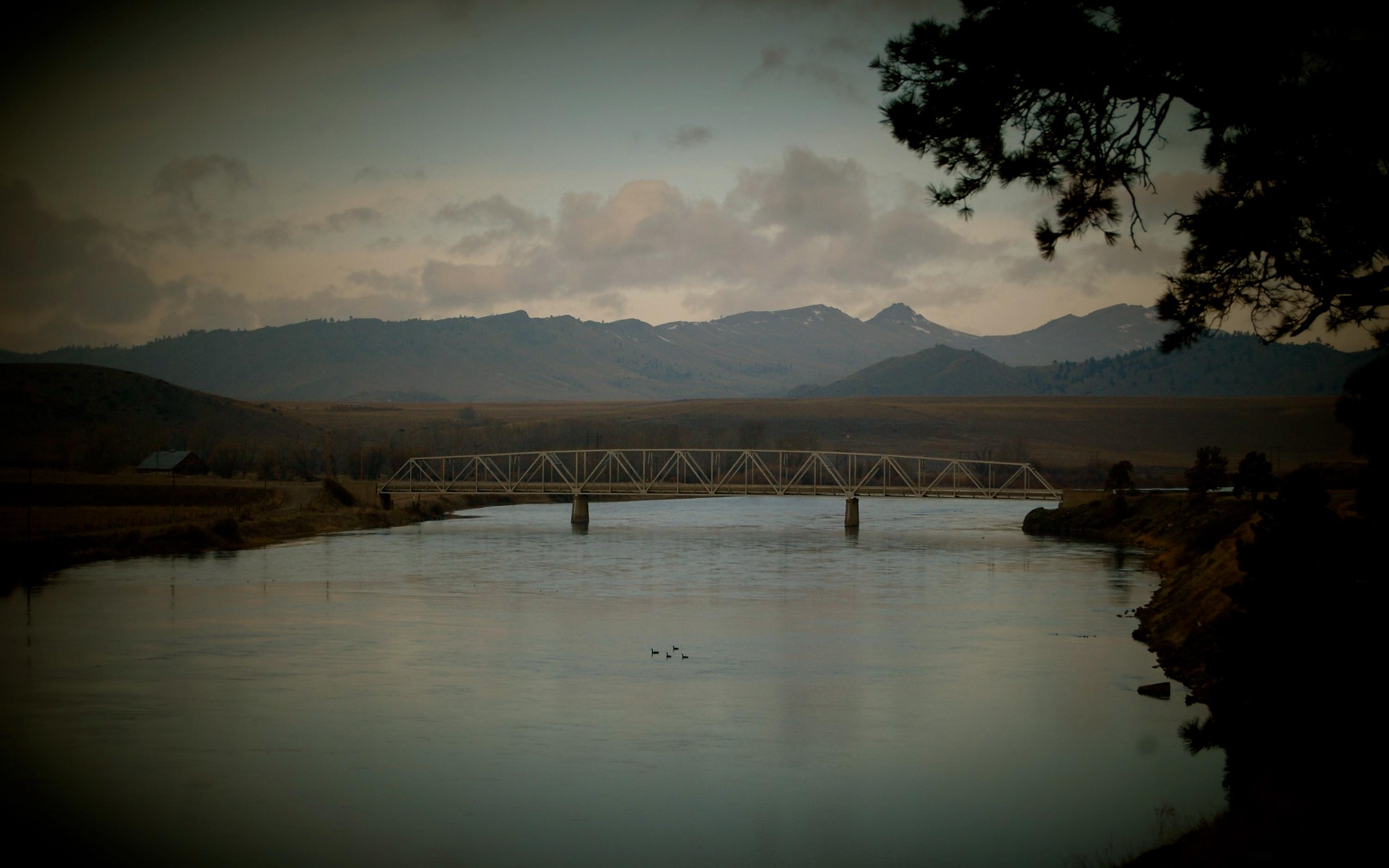 wolf-creek-bridge-montana